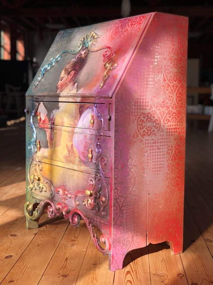 Daphne with the pink side showing, all the colours come together to create a stunning look on the boho furniture project